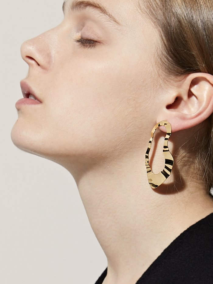 Wrinkled gold tone earrings
