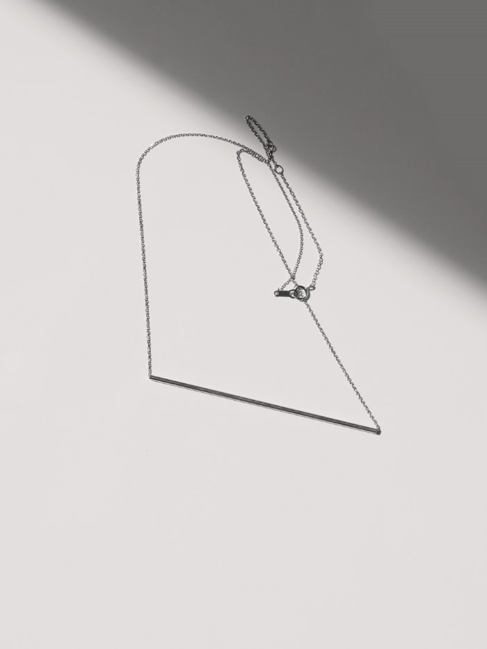 one line necklace