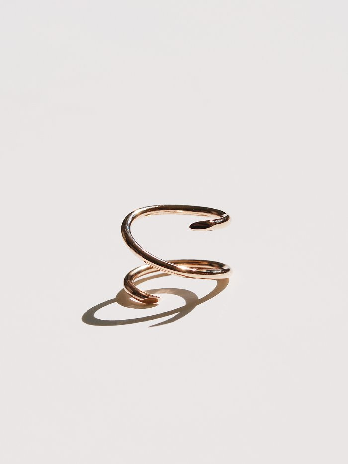 Clean line ring 14k gold