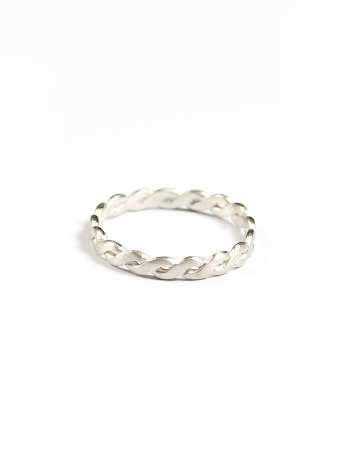 Twist wide silver ring