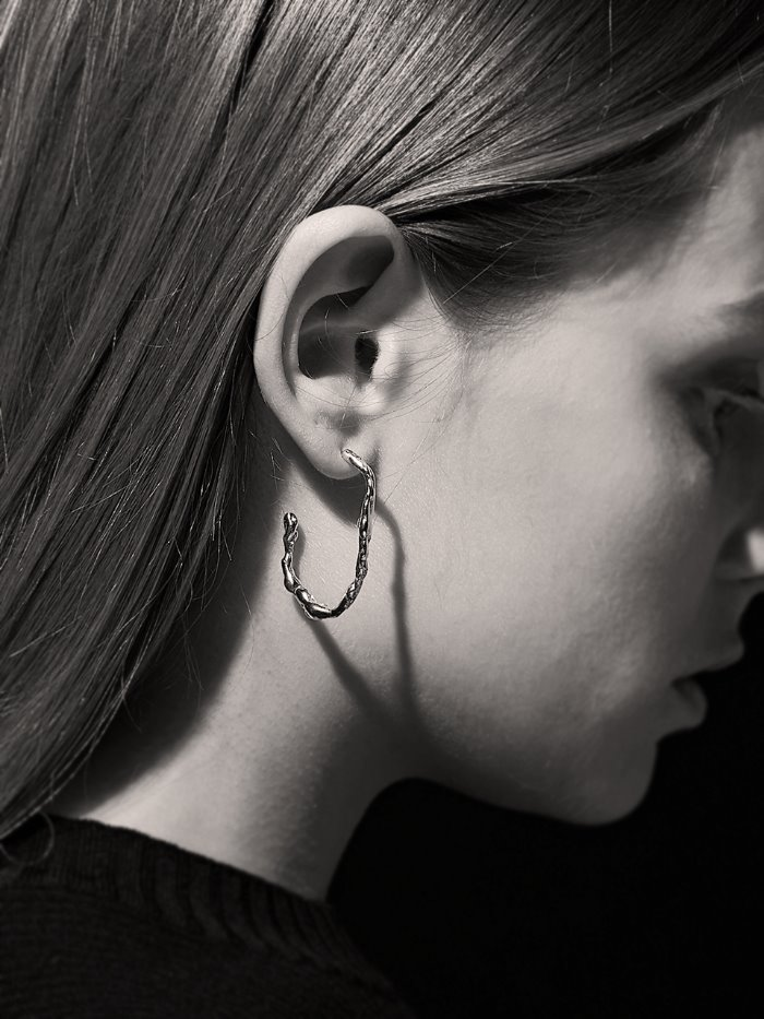 Drippings silver earring